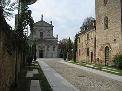 Montebello della Battaglia, il centro storico.JPG