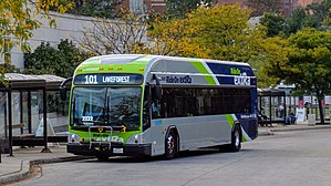 Ride On (bus) - Image: Montgomery County Transit Ride On ext Ra 2017 Gillig LF BRT Plus Diesel