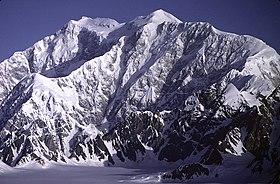Вид горы логан с юго запада