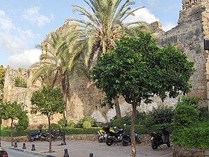 Español: Muralla defensiva de Marbella, España.