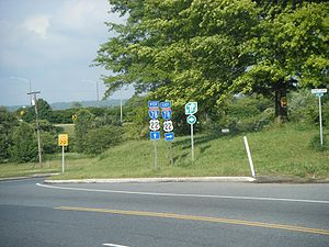 Interstate 78 in New Jersey - Route 173 (former US 22) eastbound at the I-78/US 22 interchange in Bloomsbury