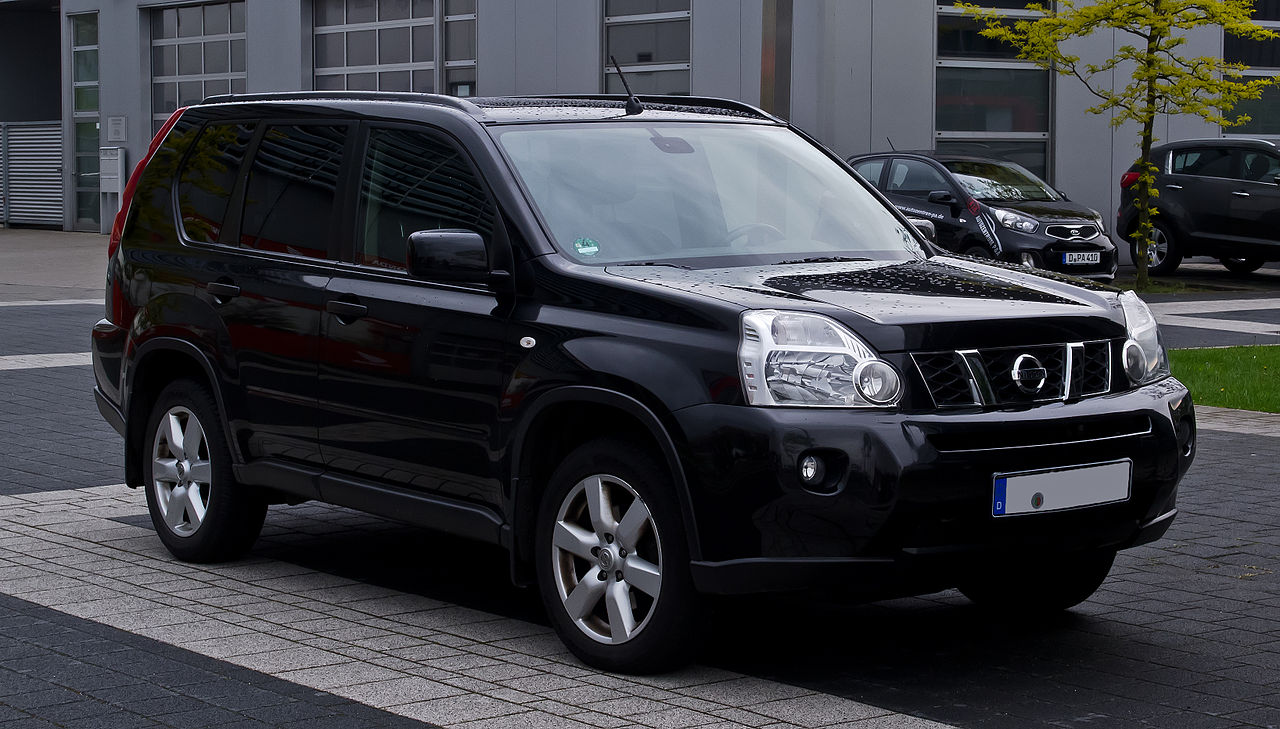 File:Nissan X-Trail 2.0 dCi 4x4 (T31) – Frontansicht, 5 ...
