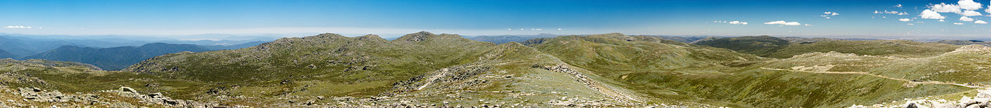 Looking north from the summit towards Mount Townsend North from Mt Kosciusko.jpg