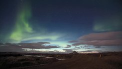 Податотека:Northern Lights over Lake Myvatn.webm