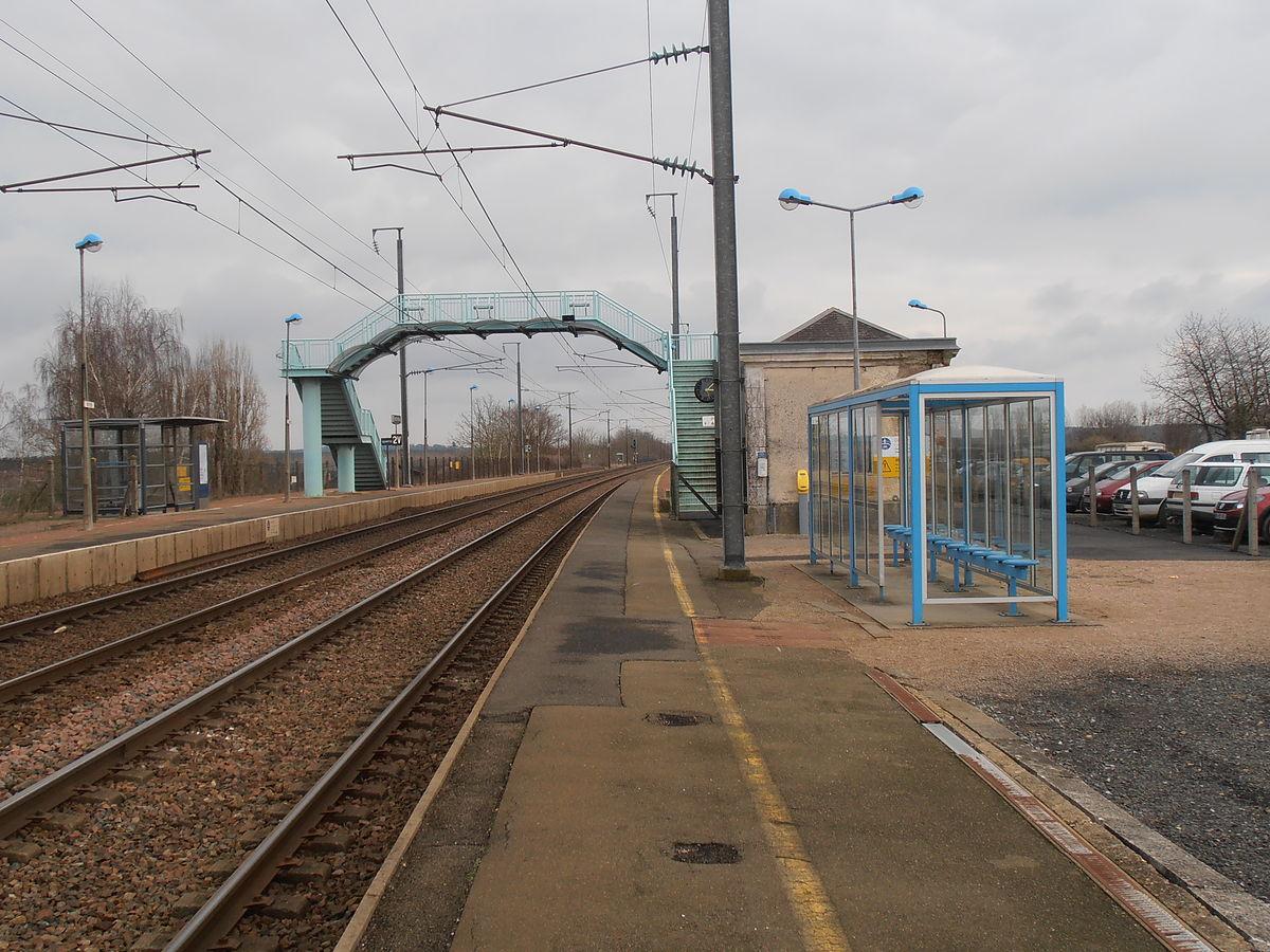 Gare de noyen wikip dia for Garage noyen sur sarthe