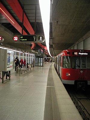 U2 (Nuremberg U-Bahn) - A train in the station Ziegelstein