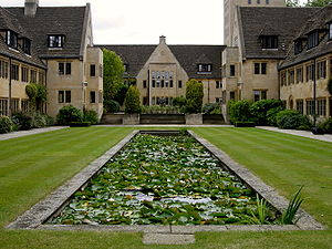 Buildings of Nuffield College, Oxford - The pool in the lower quadrangle, looking east towards the upper quadrangle and the hall