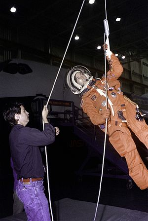 STS-3xx - Training with a Sky Genie egress device