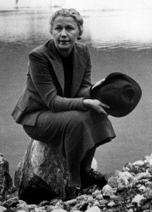 Olga Scheinpflugová - Olga Scheinpflugová in the 1930s; cropped photo taken by her husband Karel Čapek