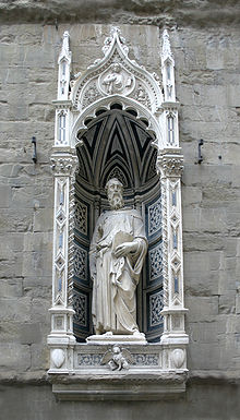 a comparison of two statues of david by vercchio and donatello Donatello, verrocchio, michelangelo, and bernini each designed a sculpture of david this is on the four different architures that are sculptures of david.