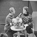 Oudejaarsavondshow in nieuwe studio NTS, Henk en Teddy Scholten, Bestanddeelnr 914-6586.jpg