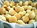 Pão de queijo (3029721354).jpg