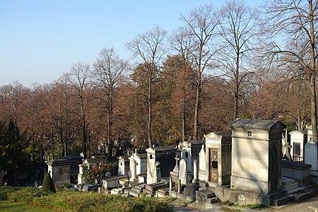 Père Lachaise Cemetery @ Paris (31408212016).jpg