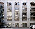 P1030227 Paris XIII Paris VII-Descartes ancien bâtiment des grands moulins de Paris cour intérieure rwk.JPG