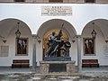 Palazzo della Sapienza - Monumento agli studenti caduti nella Prima guerra mondiale (2009, 2).jpg
