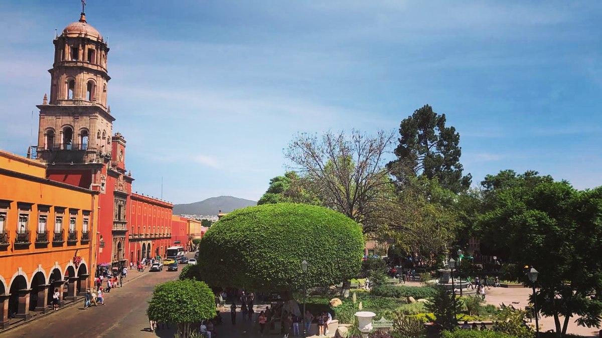 Centro hist rico de santiago de quer taro wikipedia la for Jardin zenea queretaro