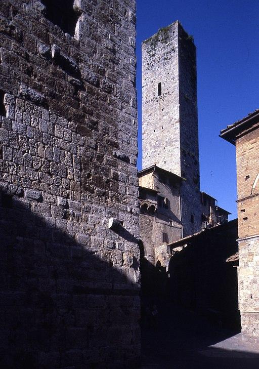 Paolo Monti - Servizio fotografico (San Gimignano, 1978) - BEIC 6358285