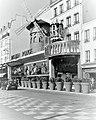 Paris 2016 10 12 Walk to Montmartre (210) (32987650963).jpg