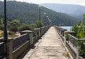 Paso de la presa del Pantano de La Jarosa (9956624345).jpg