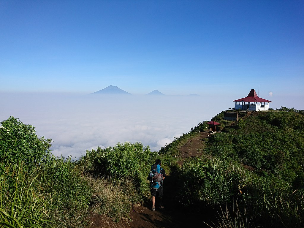 1024px Pemandangan Gunung Andong Magelang
