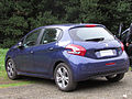 Peugeot 208 1.2 VTi Active 2013 (10282489713).jpg