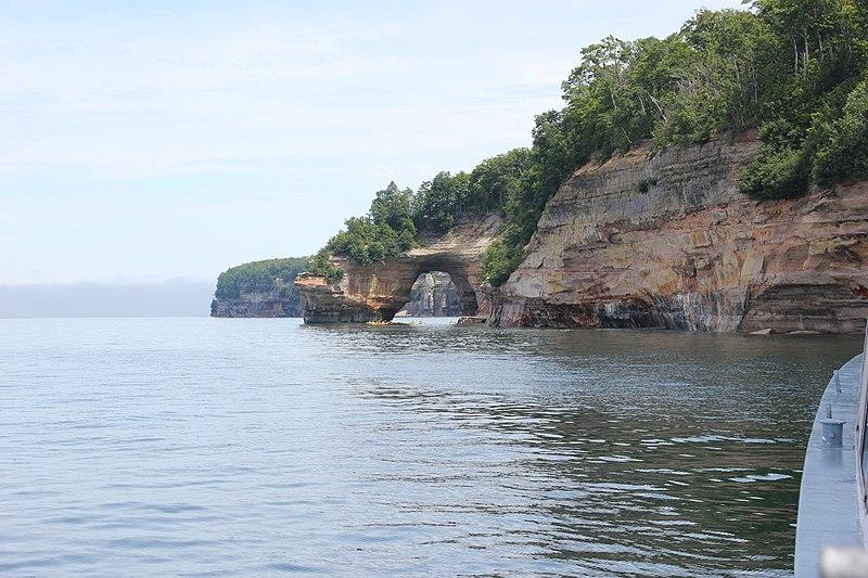 File:Pictured Rocks.jpg