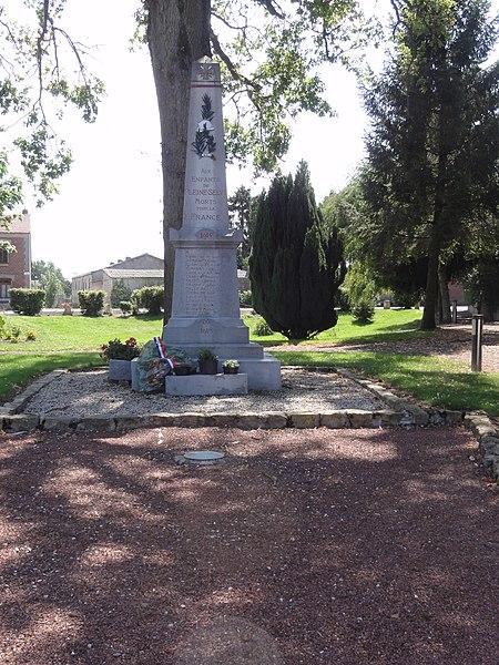 Pleine-Selve (Aisne) monument aux morts