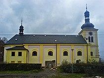 Pohled na kostel s oratoří a sákristií.JPG