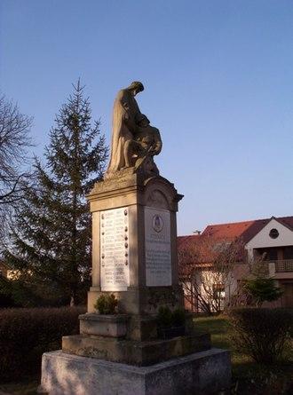Lamač - Image: Pomnik s