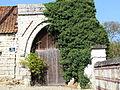 Porche du prieuré.jpg