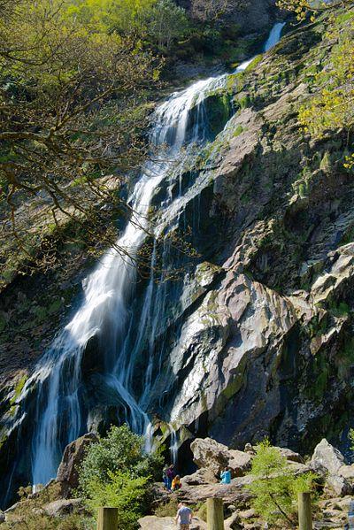 File:Powerscourt Waterfall 2014-b.jpg