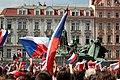 Praha, Staré Město, Staroměstské náměstí, očekávání příjezdu hokejové reprezentace II.JPG