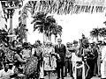 Prinselijk paar in Suriname, prinselijk paar kijkt naar Javaanse dans Prinselij, Bestanddeelnr 919-3461.jpg