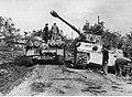 Punkt obsługi niemieckich czołgów na froncie pod Nettuno - Anzio (2-2177).jpg