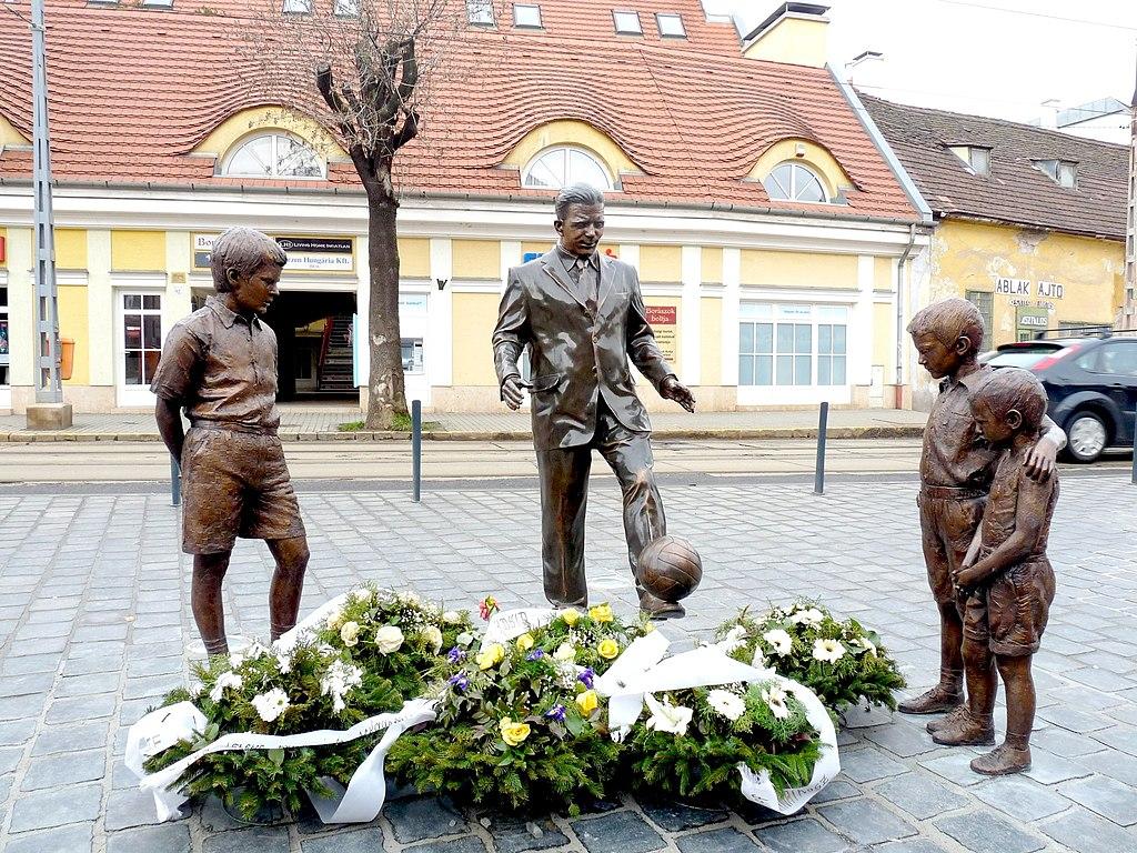 Puskás statue in Óbuda-1