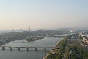 Ongryu Bridge - Image: Pyongyang city scape