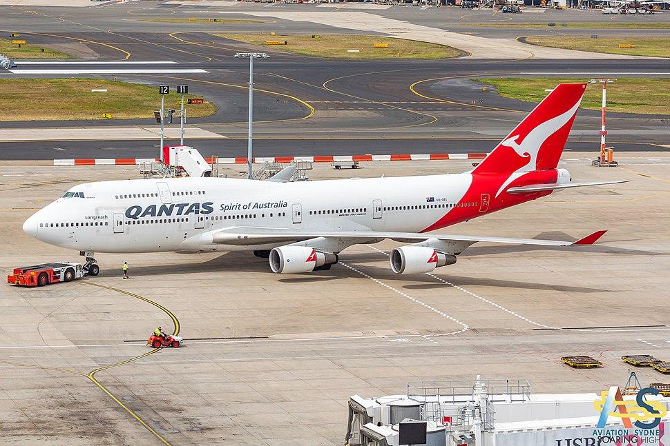 QANTAS 747 VH-OEI 5507