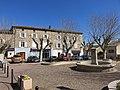 Quincié-en-Beaujolais - Place Quincius Vinum (mars 2019).jpg