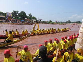 Nan River - A regatta on the Nan