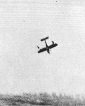 Royal Aircraft Factory R.E.8 - R.E.8 with broken wings about to crash