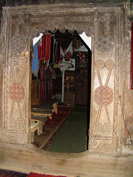 Fișier:RO MM Lapus wooden church 11.jpg