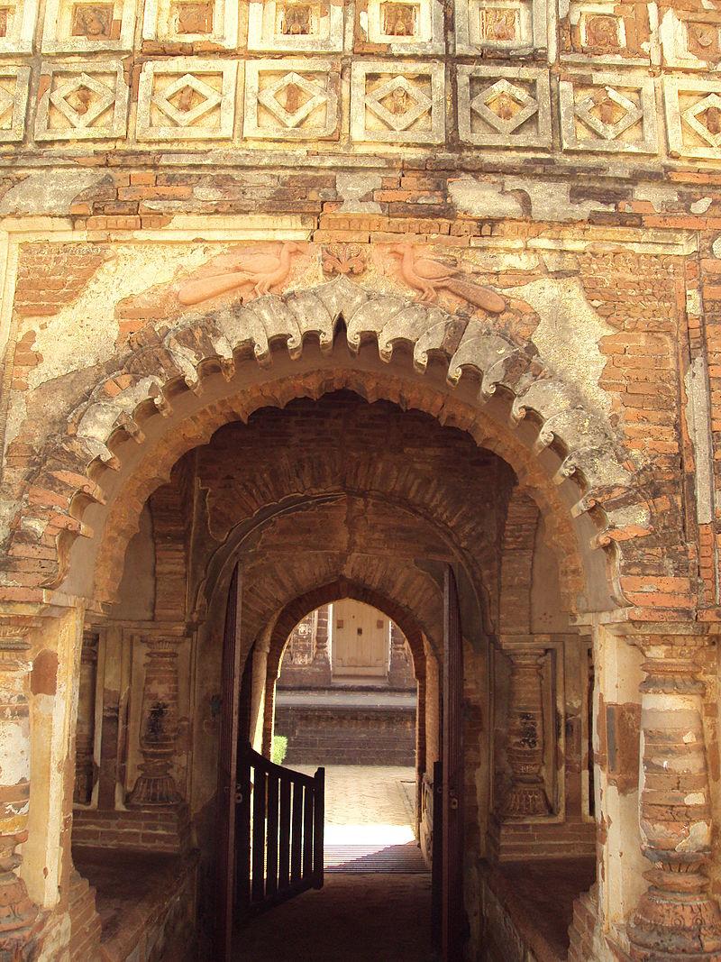 Radhashyam Temple Entry Arch Bishnupur.JPG