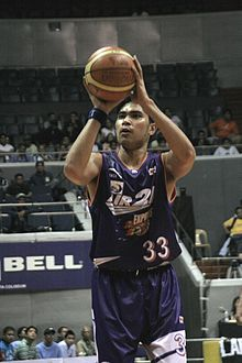 Ranidel de Ocampo free throw.jpg