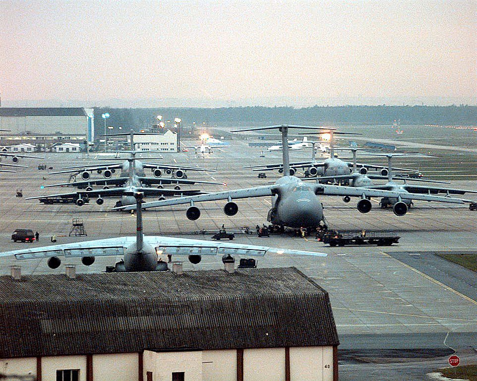 datei rhein main air base december 1995 121295 f 4406b wikipedia. Black Bedroom Furniture Sets. Home Design Ideas