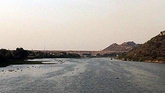 Mettur Dam - River Cauvery crossing Mettur Dam