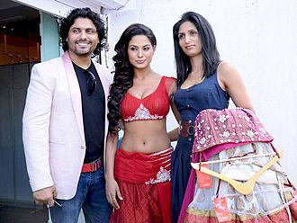 Veena Malik - Malik with Riyaz Gangji and Reshma Gangji in a Photoshoot.