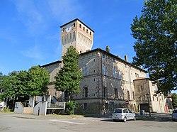 Rocca dei Terzi (Sissa) - facciata e lato ovest 2019-06-23.jpg