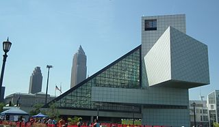 http://upload.wikimedia.org/wikipedia/commons/thumb/4/4a/Rock_and_Roll_Hall_of_Fame_2012.jpg/320px-Rock_and_Roll_Hall_of_Fame_2012.jpg