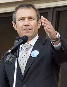 Roger Cook (cropped).jpg