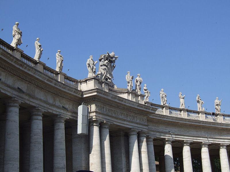 Giovanni Lorenzo Bernini - Page 2 800px-Rome_basilica_st_peter_002